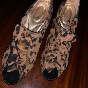 Shoes - Worn once leopard heels